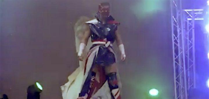 [新日本プロレス\u0026RPW・動画] ウィル・オスプレイがベイダーのマスク(\u203bニセモノ)をつけて挑発!
